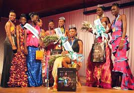 Miss Sierra Leone (Miss Margaret Murray) flanked by the other beauty queens